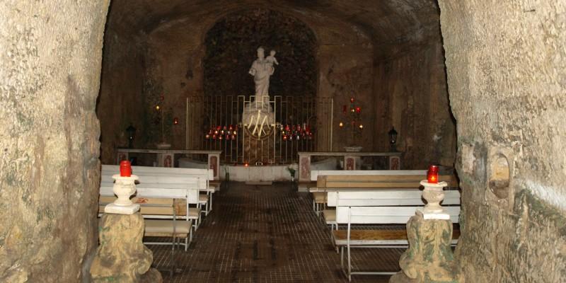 Grotte als Kapelle